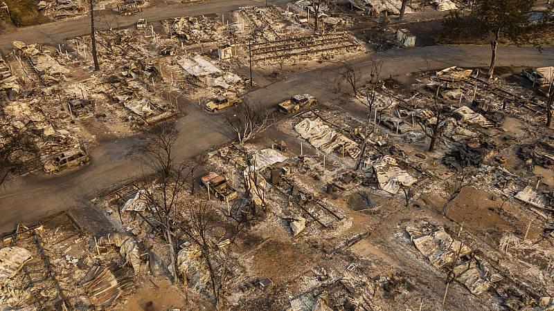 El fuego en la costa oeste de EE.UU. deja decenas de muertos y desaparecidos