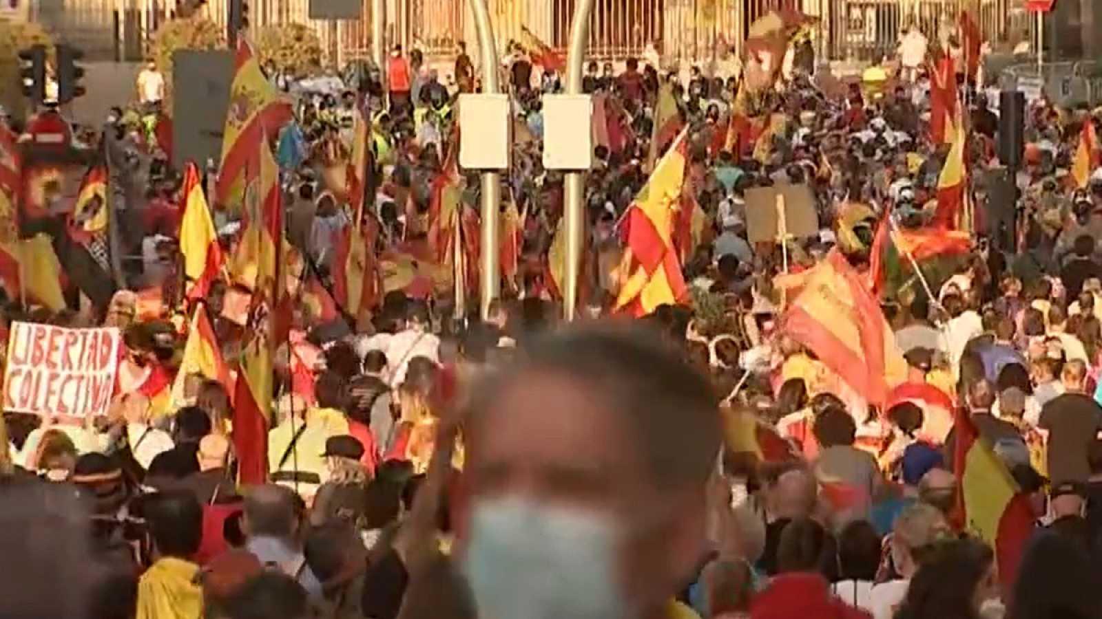 Manifestación en Madrid contra la gestión del Gobierno en la crisis del coronavirus