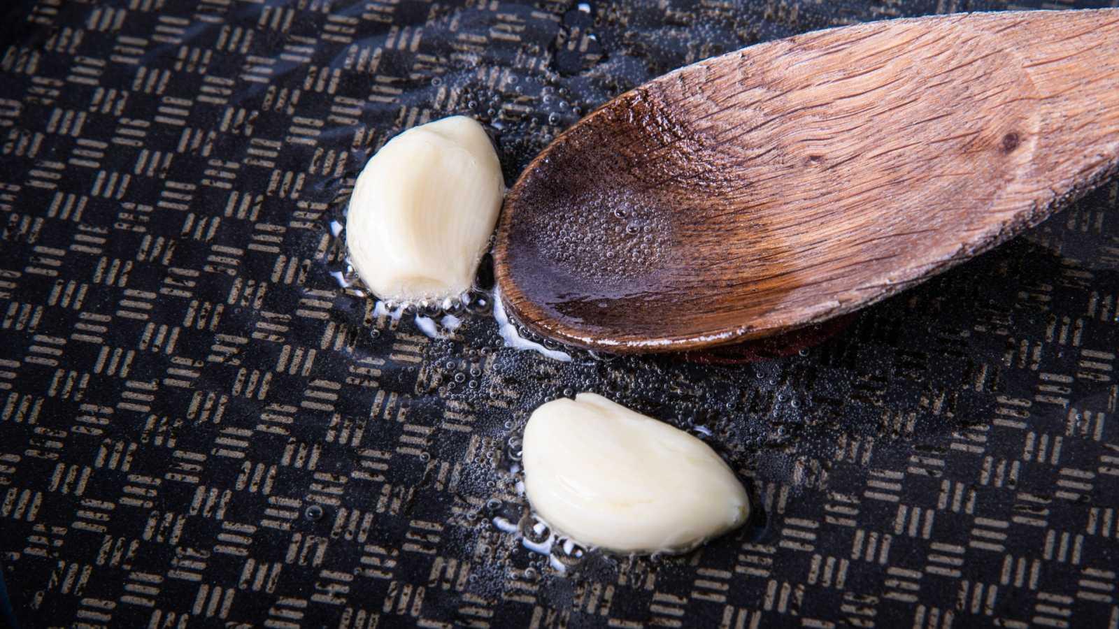 Cómo cocinar con ajo encurtido