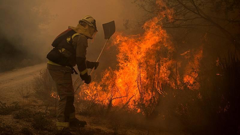 Siguen sin control diez incendios en Ourense y son ya 1300 las hectáreas calcinadas