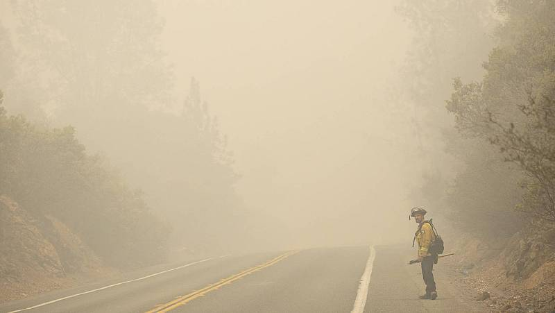 El humo tóxico generado por los incendios cubre la costa oeste de Estados Unidos