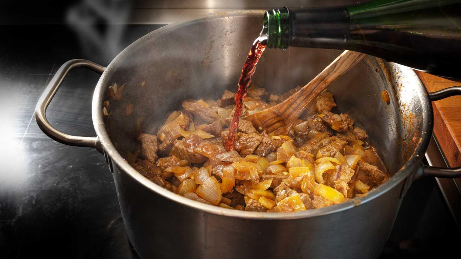 Los mejores trucos para cocinar con vino