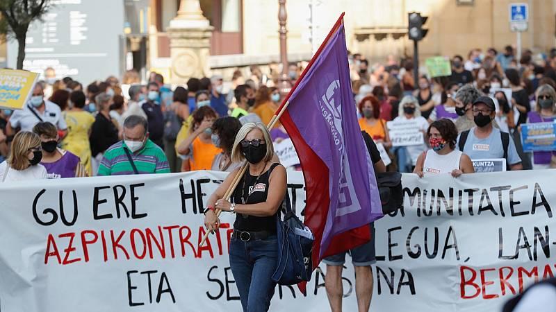 Miles de personas piden medidas para un retorno seguro a las clases en la huelga de la enseñanza en Euskadi