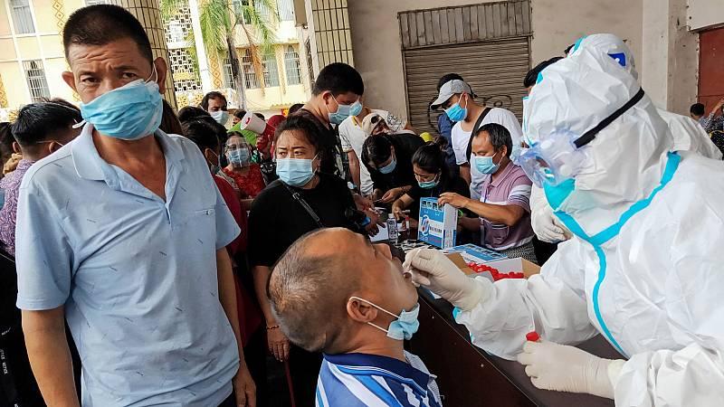 China asegura que en noviembre estará lista su vacuna pero no ve necesidad de vacunar de forma masiva