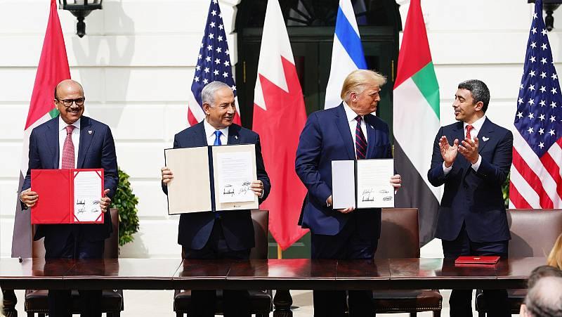 Emiratos Árabes y Baréin firman un acuerdo para normalizar relaciones con Israel