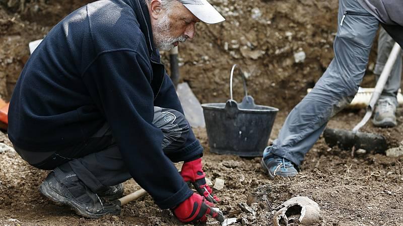 El antropólogo forense Francisco Etxeberría calcula que quedan unas 20.000 personas del bando republicano por exhumar