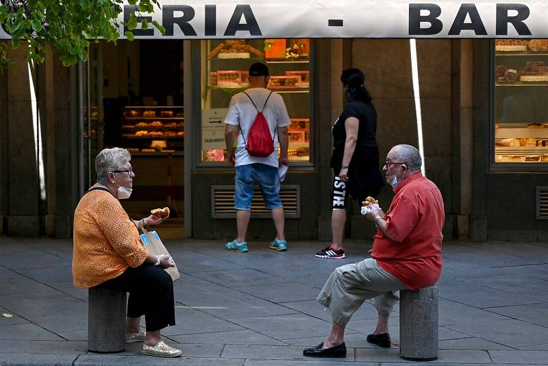 """Madrid ultima """"confinamientos selectivos"""" para las zonas más afectadas por el coronavirus"""