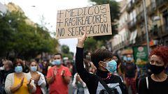 Miles de vecinos protestan contra restricciones de movilidad en los barrios madrileños