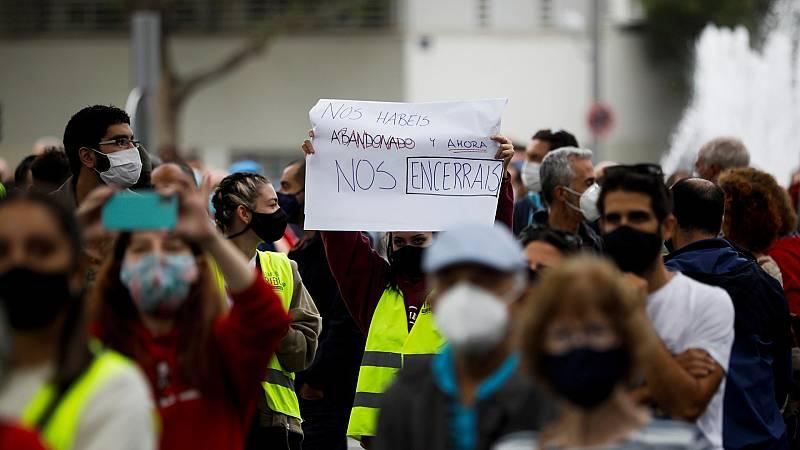 Vecinos de Madrid protestan contra las medidas de restricción
