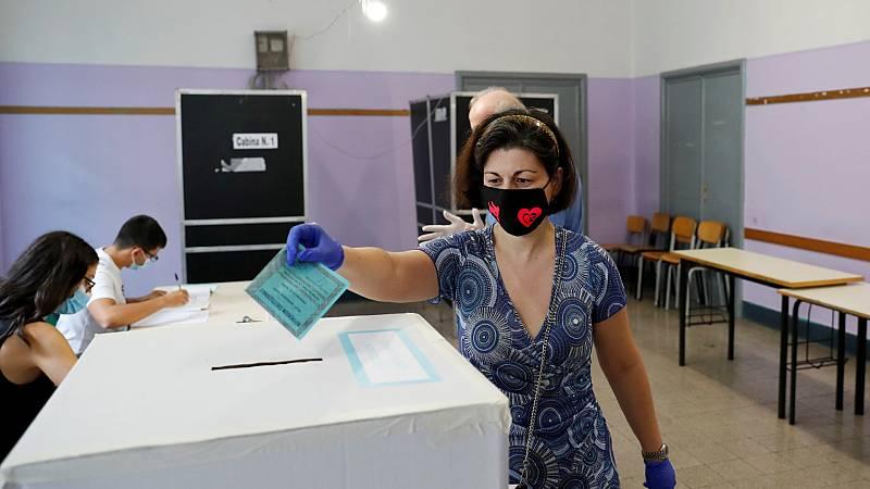 Italia vota si reduce en un tercio el número de parlamentarios