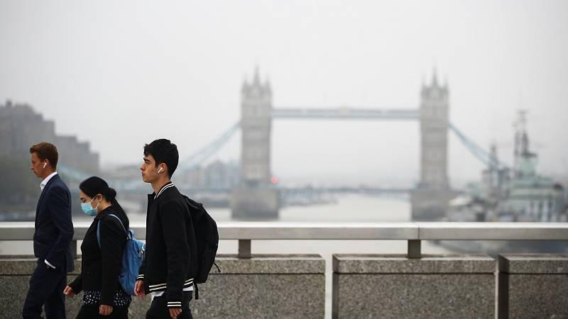 Reino Unido podría registrar 50.000 casos diarios en octubre si no endurece las restricciones