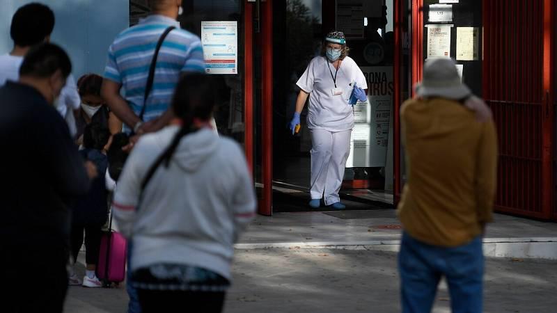 """Simón considera que """"hay suficientes equipos médicos"""", aunque admite que el número es limitado"""