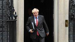 Johnson hace obligatorias las mascarillas en comercios y decreta nuevas restricciones ante la segunda ola en Reino Unido