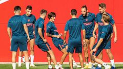 El Sevilla pone rumbo a Budapest para preparar la Supercopa