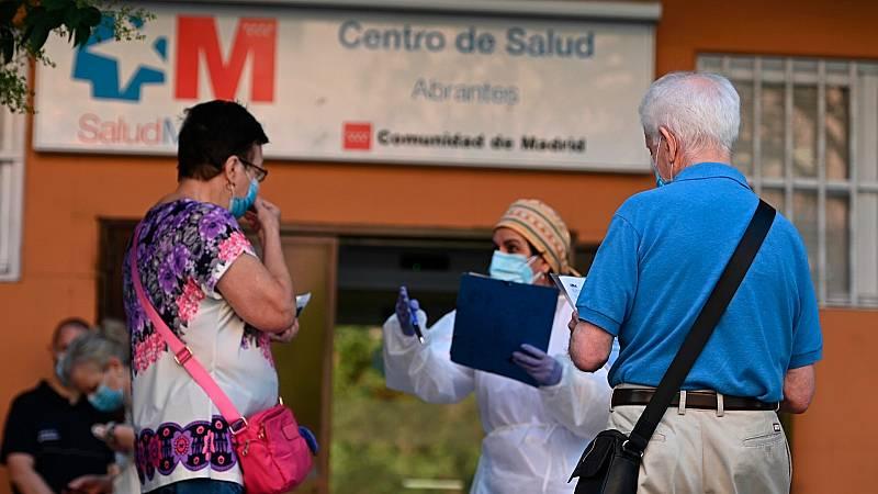 """Los médicos denuncian precariedad y falta de estabilidad: """"Llevo unos 18 contratos en tres meses"""""""