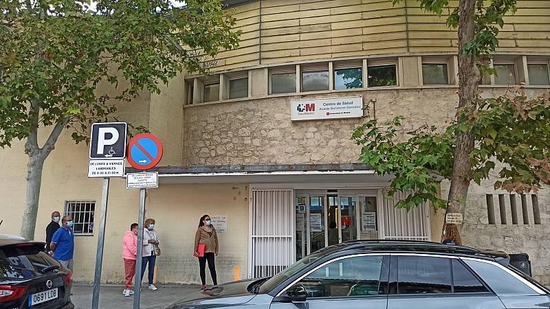 """Madrid amplía las restricciones a ocho zonas sanitarias más, pero recomienda evitar """"todo movimiento innecesario"""" en toda la región"""