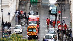 Cuatro heridos en un ataque con cuchillo cerca de la sede de Charlie Hebdo en París