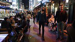 Cierre de bares a las 22:00h y uso de mascarilla: las medidas de Johnson para frenar la segunda ola