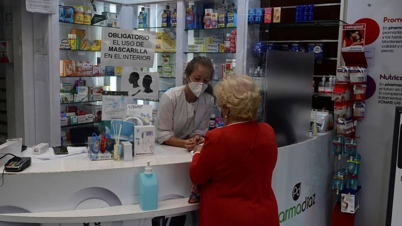 Los farmaceúticos piden autorización para poder hacer test antígenos para aliviar la atención primaria