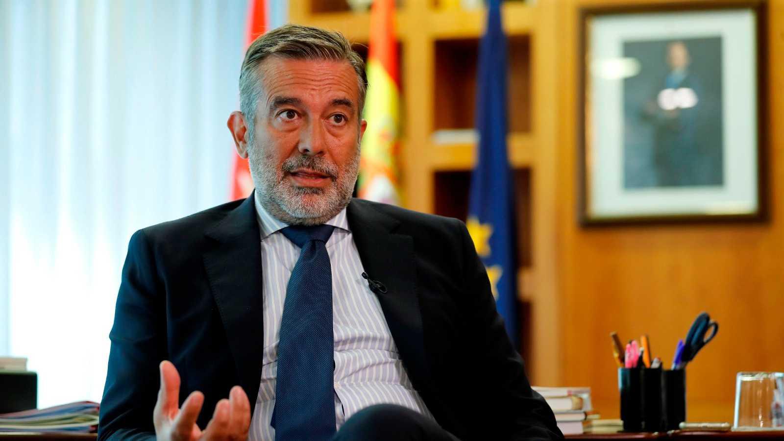 """Madrid pide a Sanidad no """"frivolizar"""" sobre la intervención de la Comunidad y vuelve a acusarlo de """"desleal"""""""