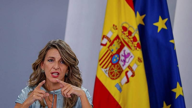 """Yolanda Díaz: """"Este acuerdo protege y defiende a las empresas y a los trabajadores"""""""