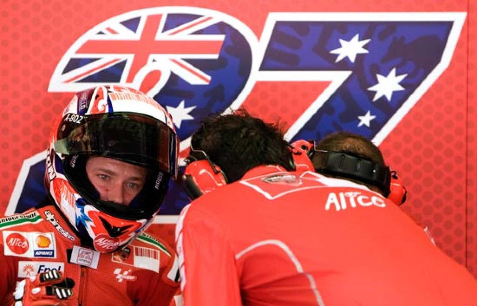 Casey Stoner ha decidido retirarse temporalmente del Mundial de MotoGP debido a problemas físicos.