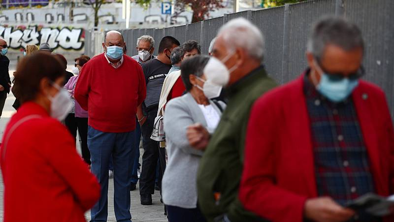 Acuden solo un 30% de los vecinos convocados para realizarse los test masivos de antígenos en Madrid