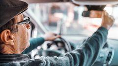 Los centros de reconocimiento médico proponen un mayor control de los mayores al volante