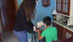 La historia viral de Fran, el niño que sufrió acoso por su afición a la costura