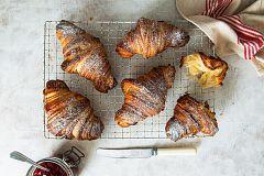 Aquí la Tierra - ¡Los minicroissants de la croissantería Basalo!