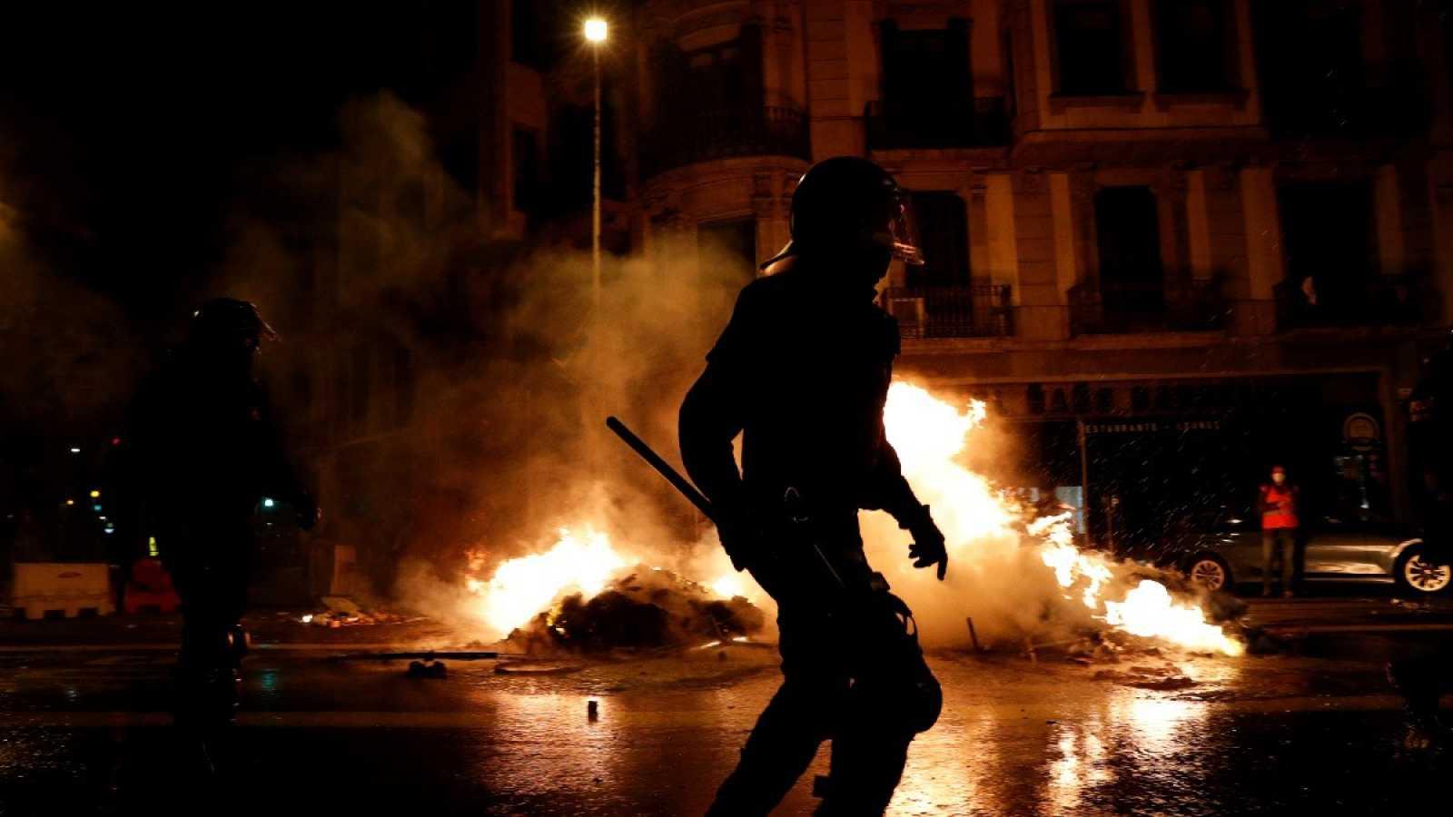 Al menos 15 detenidos en Barcelona y uno en Girona en las protestas por el tercer aniversario del 1-O