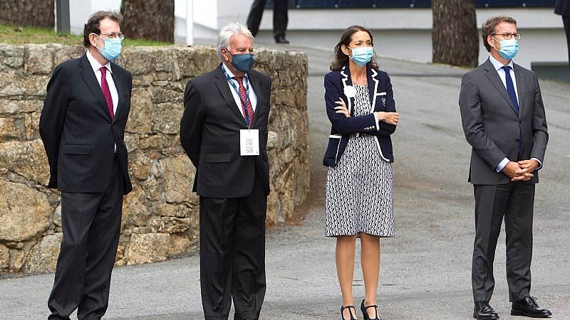 González y Rajoy arropan al rey en la inauguración del Foro La Toja
