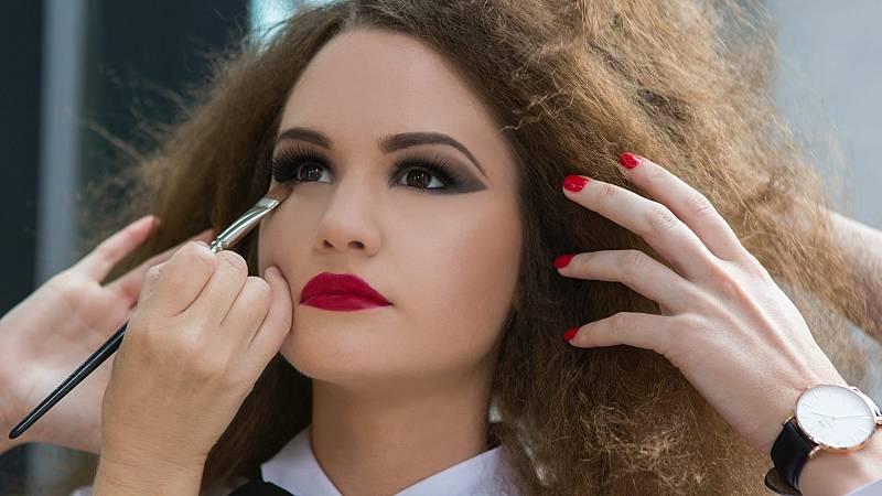 Cómo hacer un maquillaje de noche