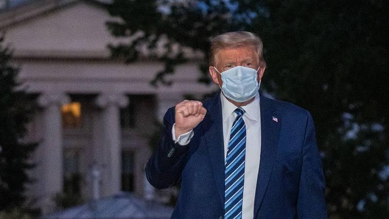Donald Trump vuelve a la campaña electoral tuiteando toda la noche
