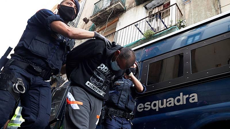 Cerca de 50 detenidos en una macrooperación contra narcopisos de Barcelona