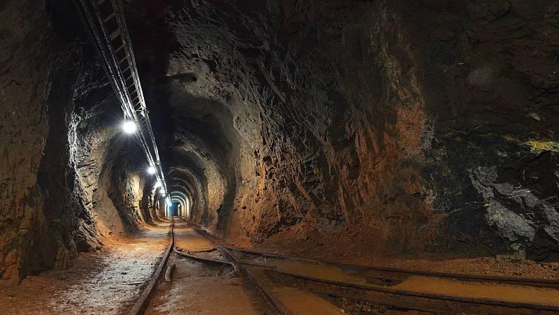 Convertir una mina abandonada en un almacén con material sanitario