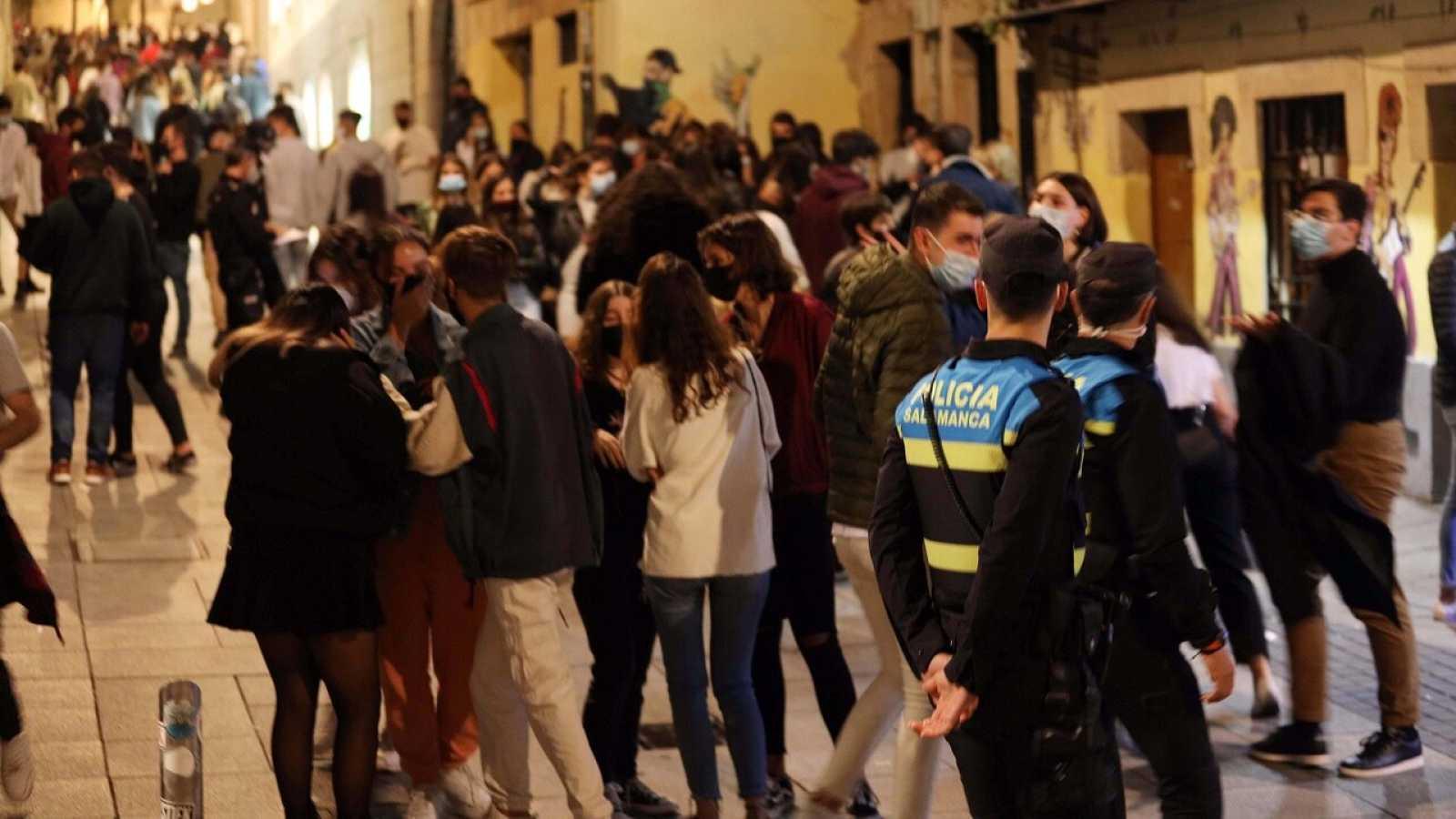 La Universidad de Salamanca expulsa a 36 alumnos por no respetar las medidas anticoronavirus