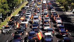 Cientos de coches marchan en Madrid convocados por Vox contra el estado de alarma