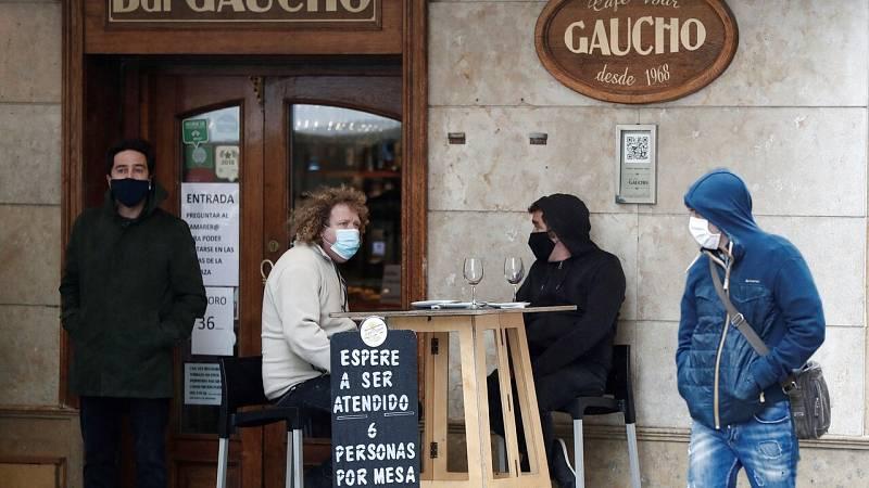 El avance de la COVID-19: Madrid extiende sus restricciones y Navarra registra sus peores cifras de la pandemia