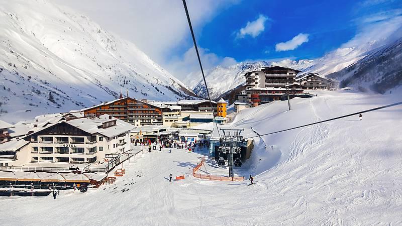 Los miles de contagiados que salieron del Tirol