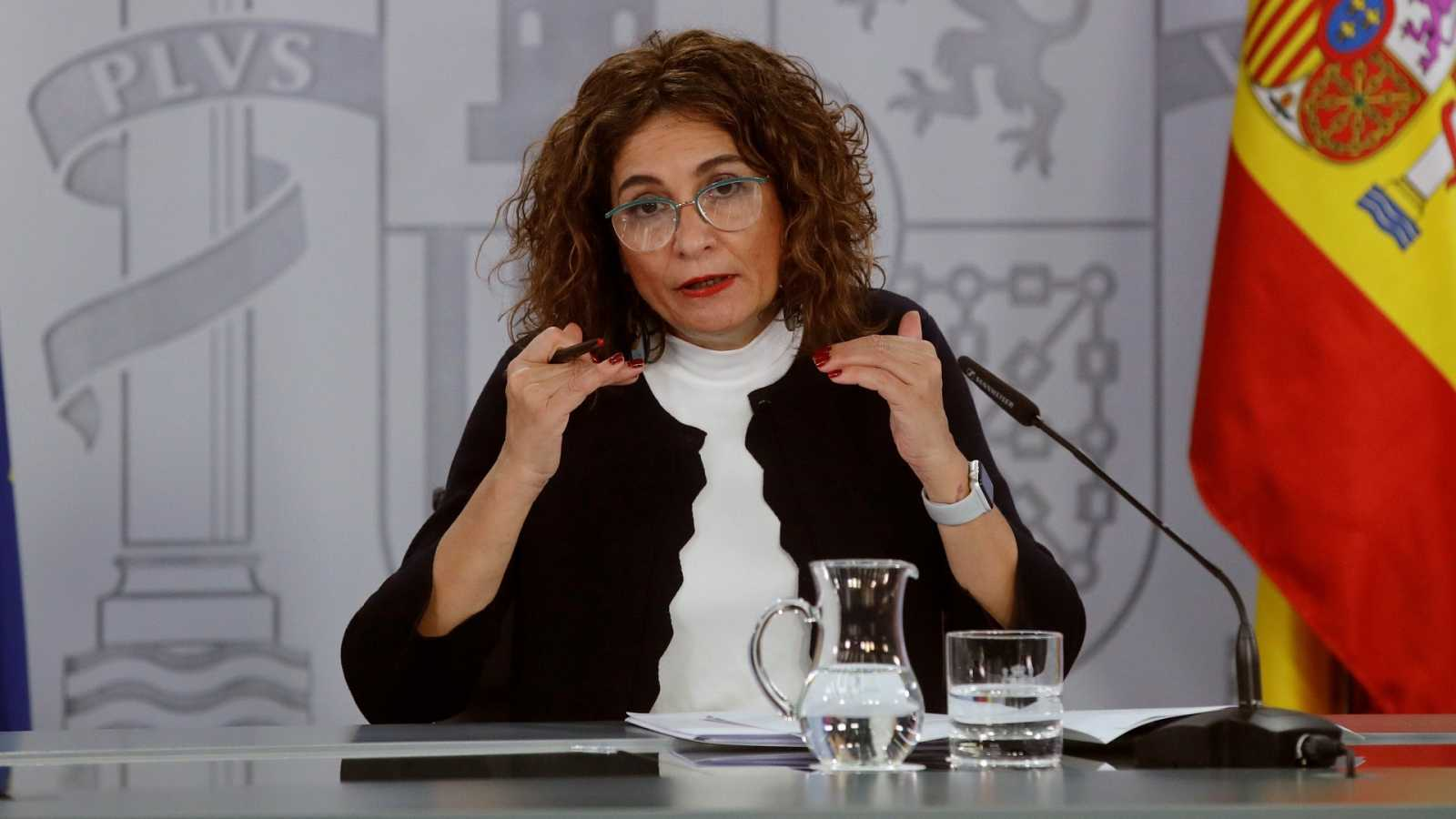 El Gobierno baja el umbral a 600.000 euros para los deudores tributarios