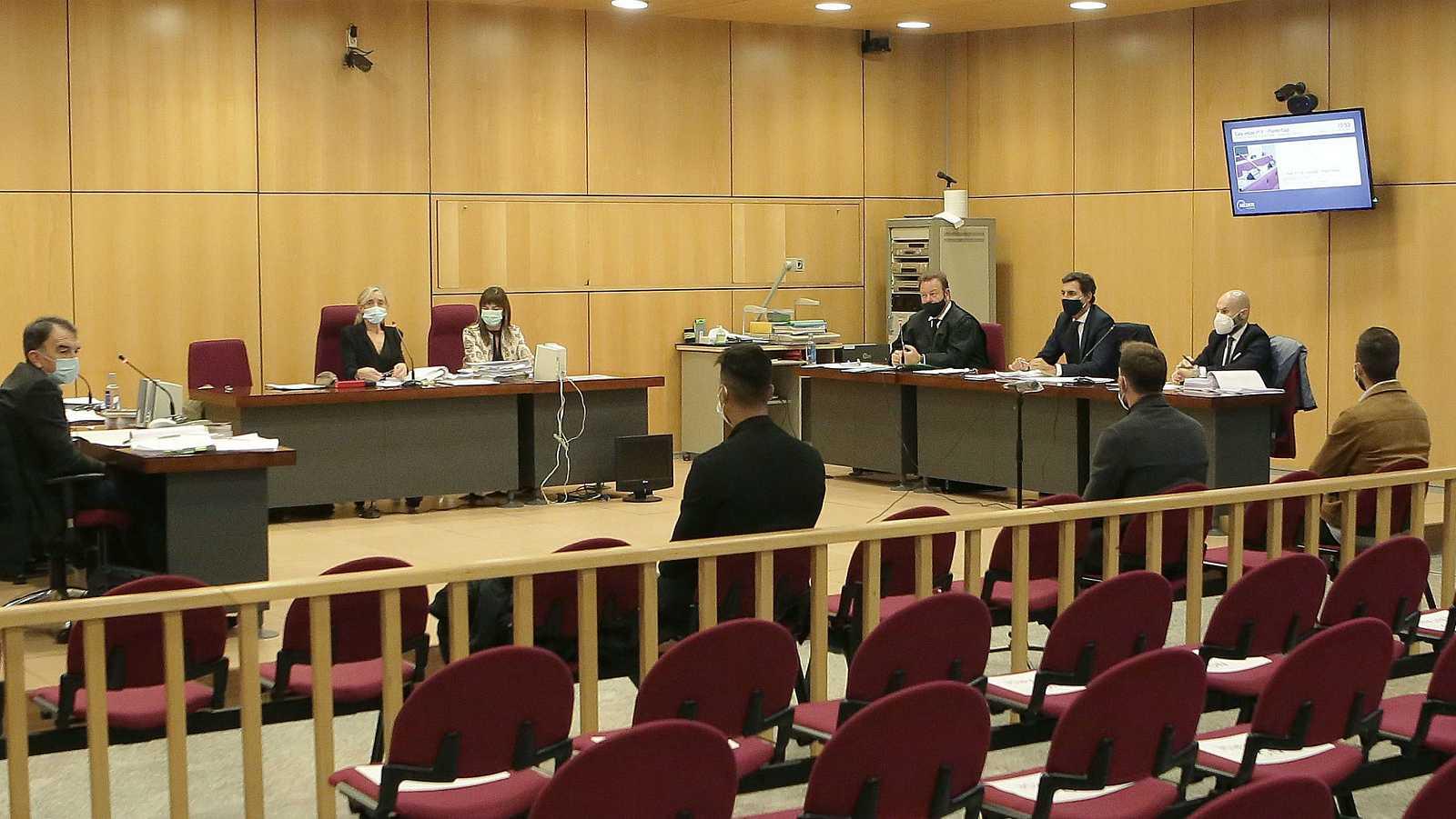 Comienza el juicio contra exjugadores del Eibar que difundieron un vídeo de contenido sexual