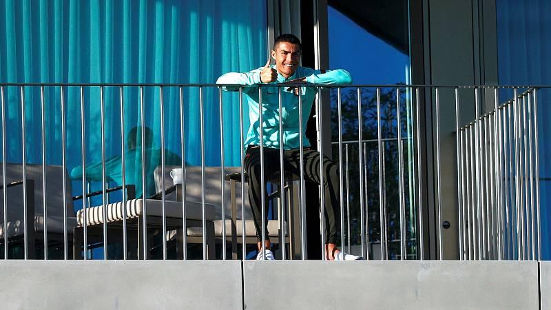 Cristiano Ronaldo vuela a Turín para recuperarse del coronavirus