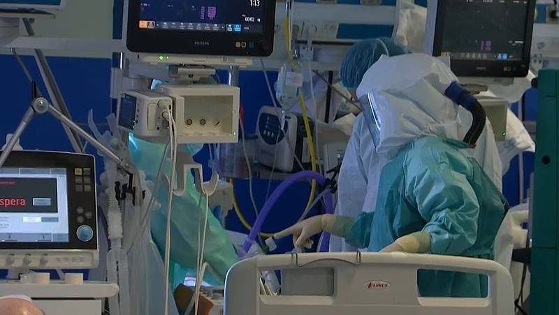 """Dentro de la UCI del Hospital 12 de Octubre: """"Hablamos de rebrote, pero esto nunca se ha ido"""""""