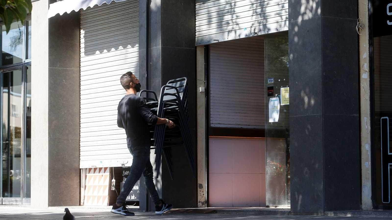 Los hosteleros catalanes calculan pérdidas millonarias por el cierre de locales