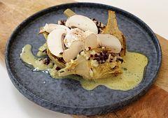 Alcachofas con huevo poché