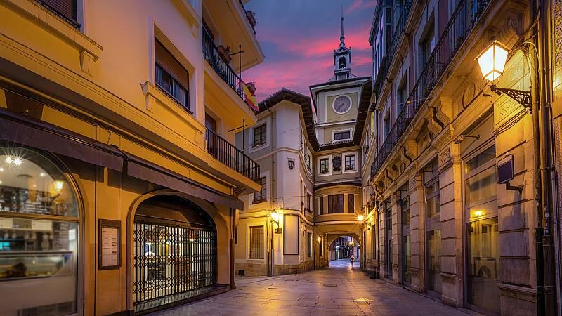 El silencio de Oviedo en su día más festivo