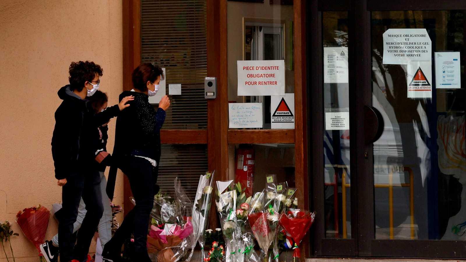 Solidaridad en las redes con el profesor decapitado en Francia