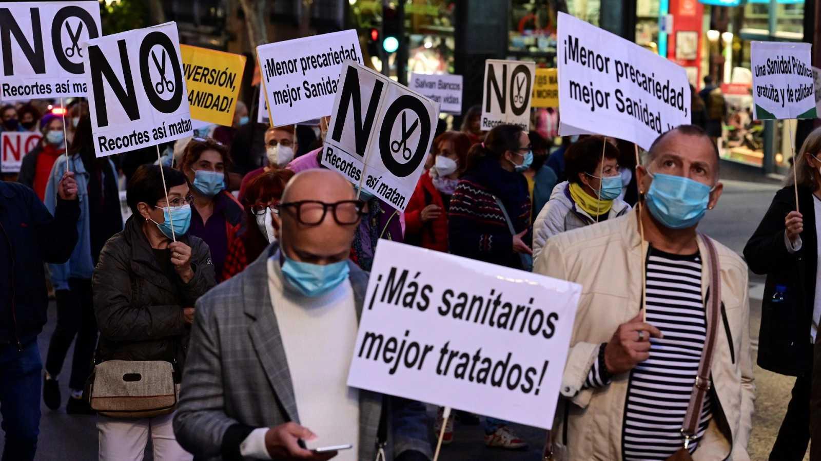 Manifestaciones en varias ciudades españolas en defensa de la sanidad pública