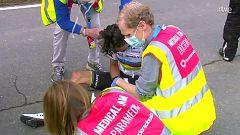 Julian Alaphilippe se cae a 35 km de la meta de Flandes